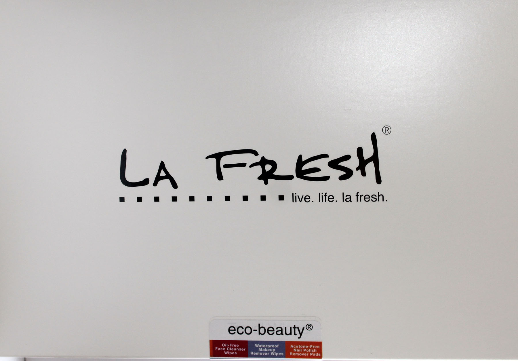 LA FRESH Eco-Beauty® Eyes, Face + Nails Sachet Set Review
