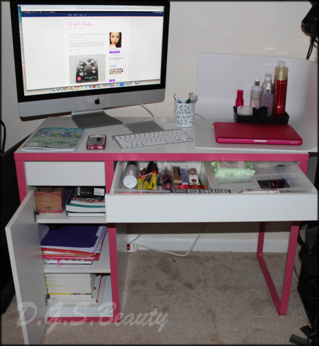 D.G.S.Beauty's Blogging Desk